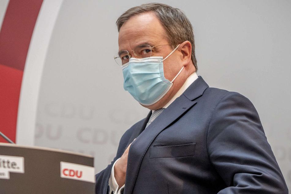 Am Mittwoch (10 Uhr) unterrichtet NRW-Ministerpräsident Armin Laschet (60, CDU) den Landtag über die Bund-Länder-Beschlüsse im Kampf gegen die Corona-Pandemie.
