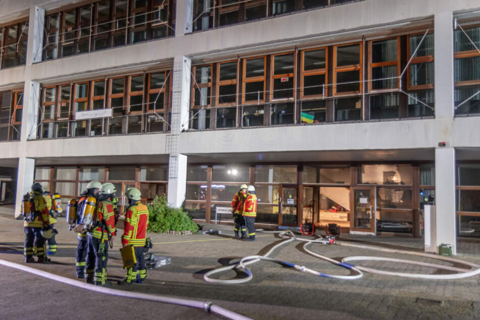 Feuer in Gymnasium verursacht 200.000 Euro Schaden