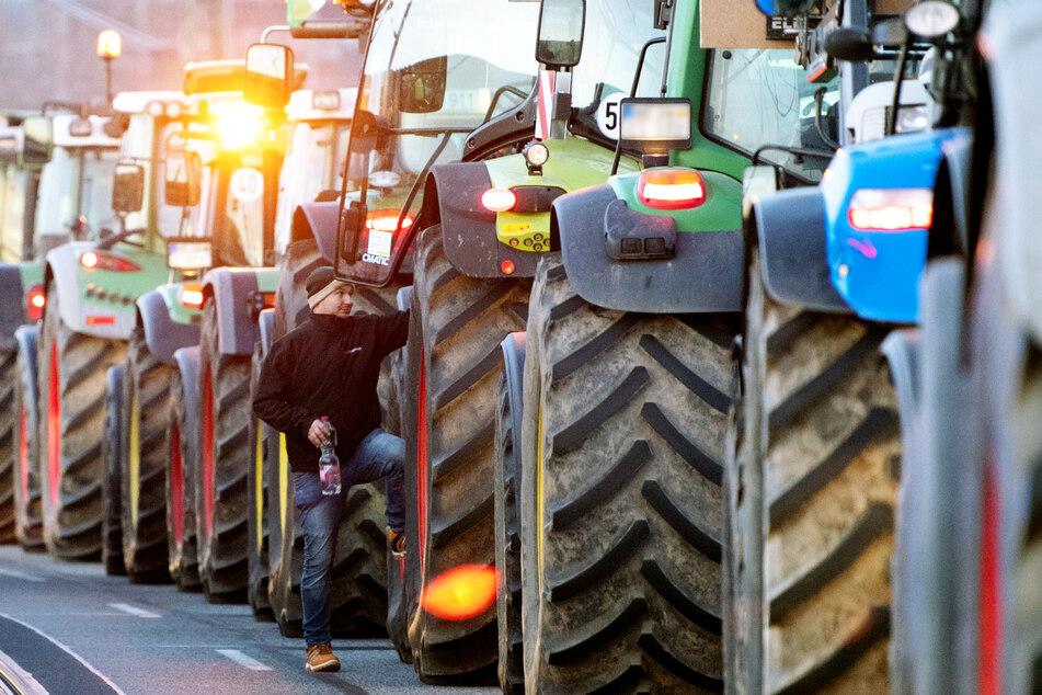 Schon am 17. Januar rollten zahlreiche Traktoren in Dresden an.