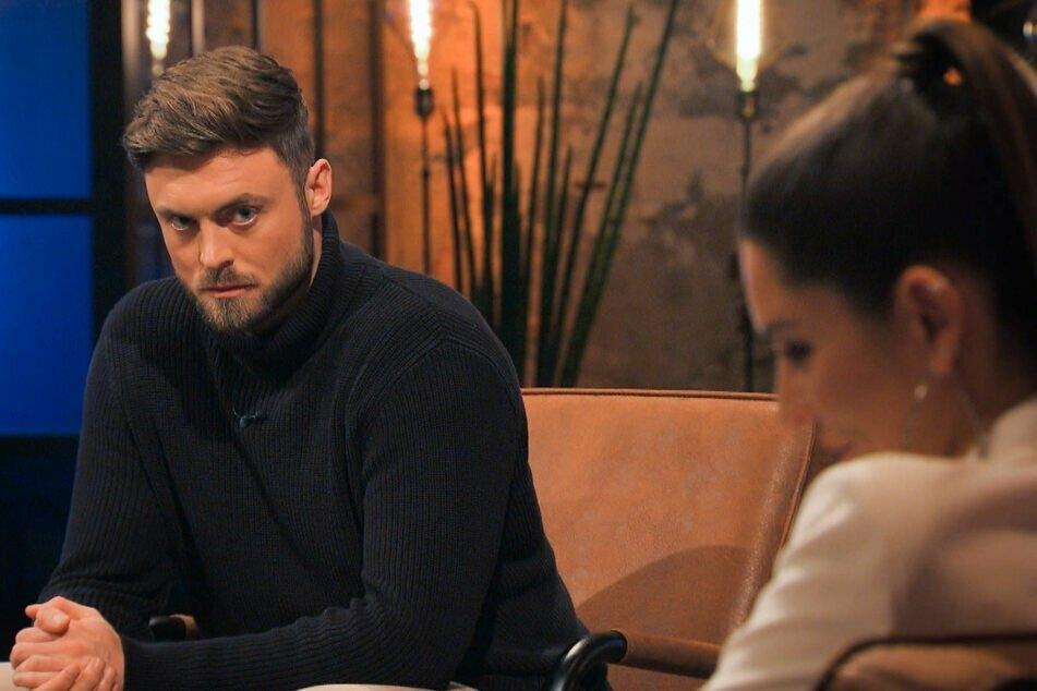 """""""Bachelor"""" Niko Griesert (30) und die Zweitplatzierte Michèle de Roos (27) gaben in der Wiedersehen-Show an, nach dem Finale keinen Kontakt mehr gehabt zu haben. Doch das soll offenbar gelogen gewesen sein!"""