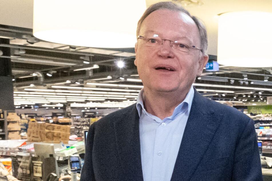 Stephan Weil (61, SPD).