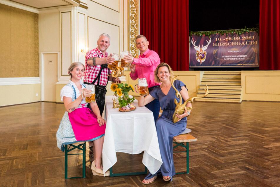 Hatten sich so aufs Hirschgaudi gefreut: Die Gastronomen Annemarie Gromoll (33) und Markus Pexa (53) sowie Parkhotel-Inhaber Jens Hewald (49) und seine Frau Mandy (42, v.l.n.r.).
