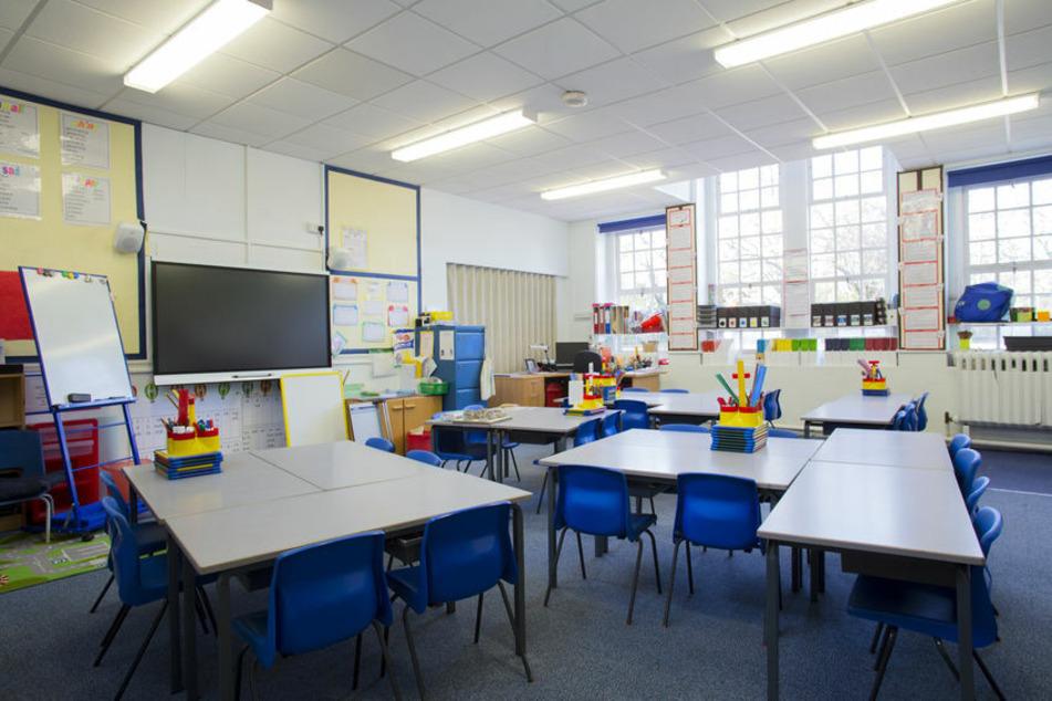 Der Blick in ein Klassenzimmer einer Grundschule (Symbolbild).