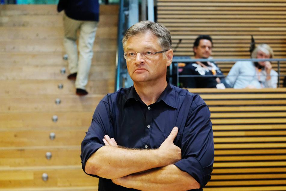 Ballsprecher Holger Zastrow (51) stellt eine Entscheidung zum SemperOpernball Ende Oktober in Aussicht.