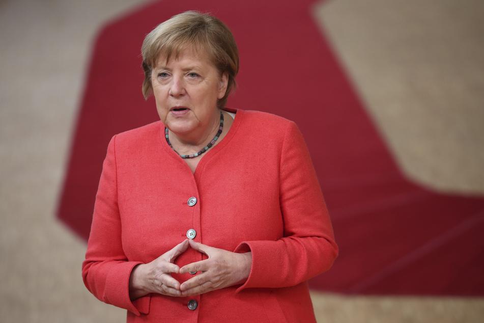 Kanzlerin Angela Merkel hat die Erwartungen an eine rasche Entscheidung über das milliardenschwere EU-Wiederaufbaupaket in der Corona-Krise gedämpft.
