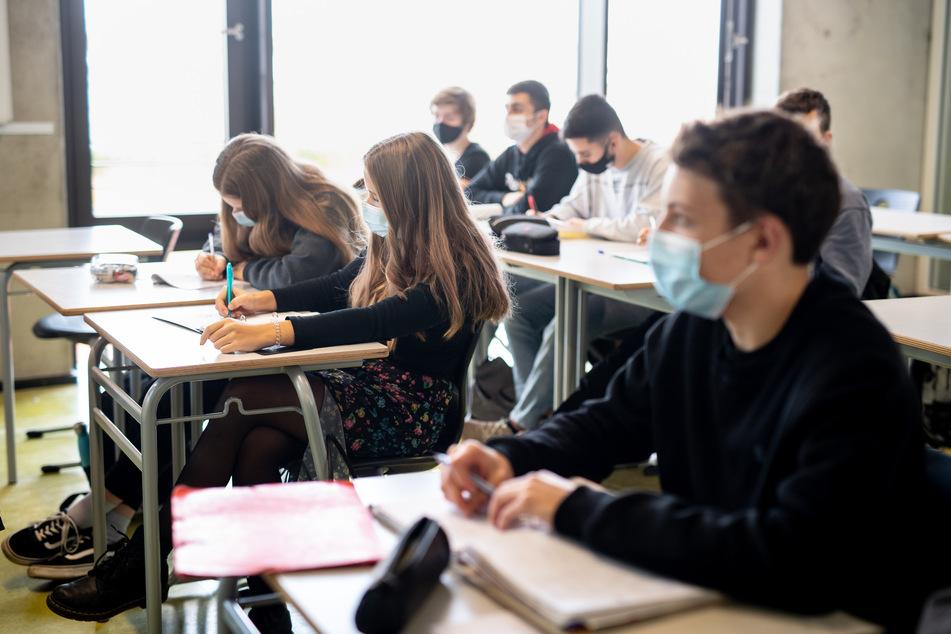 Auch das neue Schuljahr war in Nordrhein-Westfalen mit einer Maskenpflicht in Gebäuden und Klassenräumen gestartet.