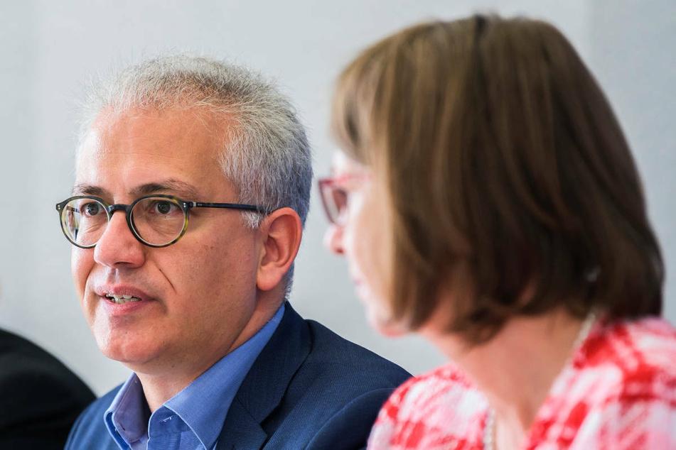 Hessens Verkehrsminister Tarek Al-Wazir (50, l.) und Klimaschutzministerin Priska Hinz (61, beide Grüne) zeigten sich verwundert über der Klage der Deutschen Umwelthilfe.