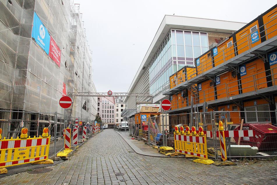 Der Tatort liegt direkt an der Rückseite des Kulturpalasts.