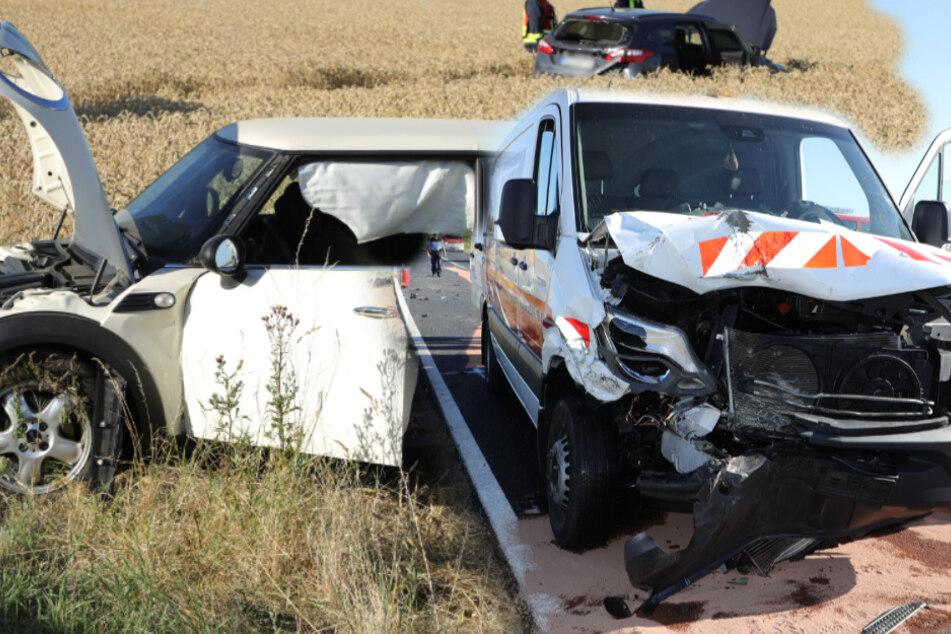 Transporter kracht in zwei Autos: Fahrer unter Drogen!