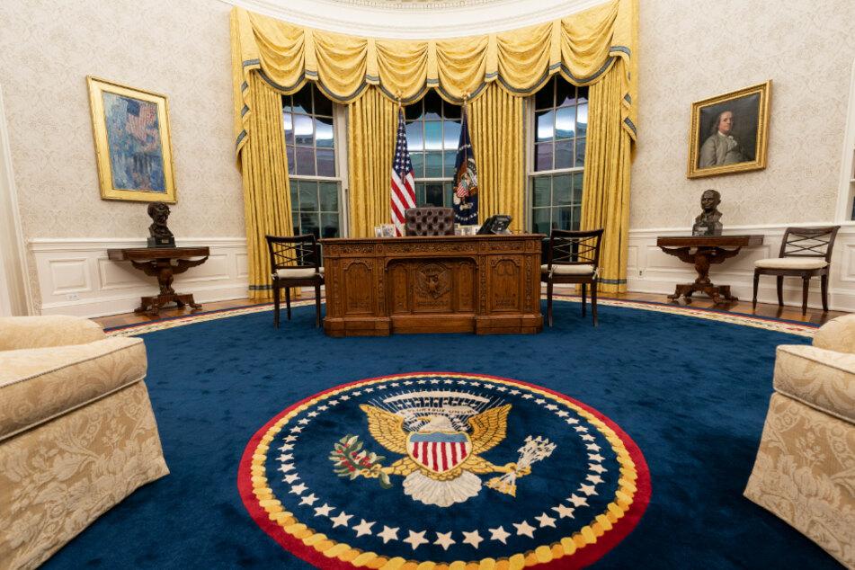 Das Oval Office im Weißen Haus ist für den ersten Tag der Amtszeit von US-Präsident Biden neu dekoriert.