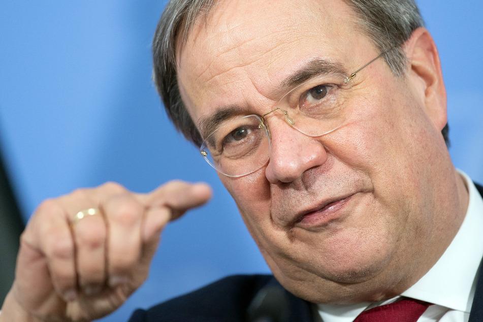 Millionen-Auftrag an van Laack: Laschet wirft SPD Diffamierung vor