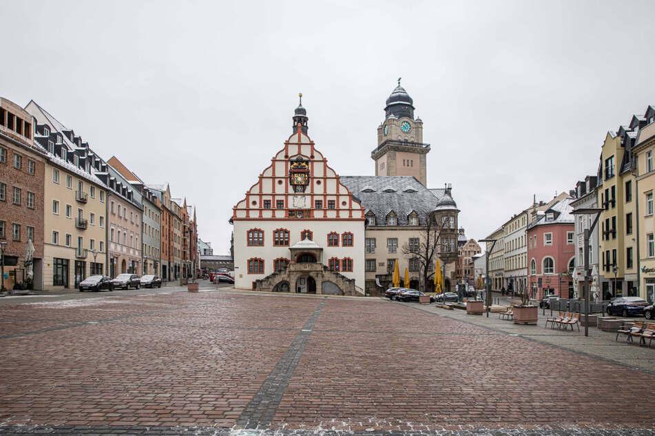 Sieben Kandidaten kämpfen um den Chefsessel im Plauener Rathaus.