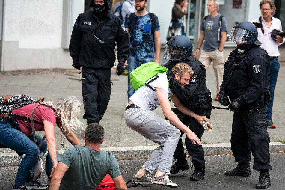 Die UN ermittelt, ob es am 1. August 2021 zur übertriebener Polizeigewalt gegen Demonstranten kam.