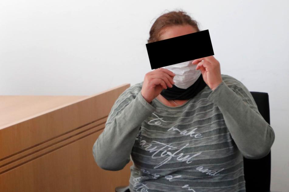 Cornelia W. (56) hat vor Gericht zugegeben, ihr Zeugnis zur Verwaltungswirtin gefälscht zu haben.