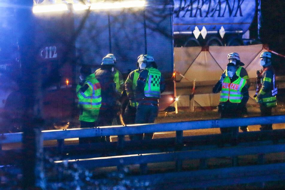 Unfall A44: Tödlicher Unfall auf der A44: Mann (37) versuchte offenbar, vor der Polizei zu flüchten