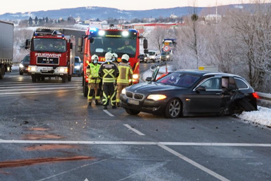 Unfall A4: Bei Rot gefahren? Heftiger Unfall an A4-Auffahrt im Berufsverkehr