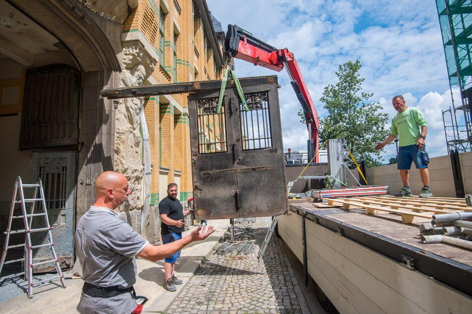 Im Juli 2020 wurde das Tor von der Firma Metallbau Mehlhorn ausgebaut.