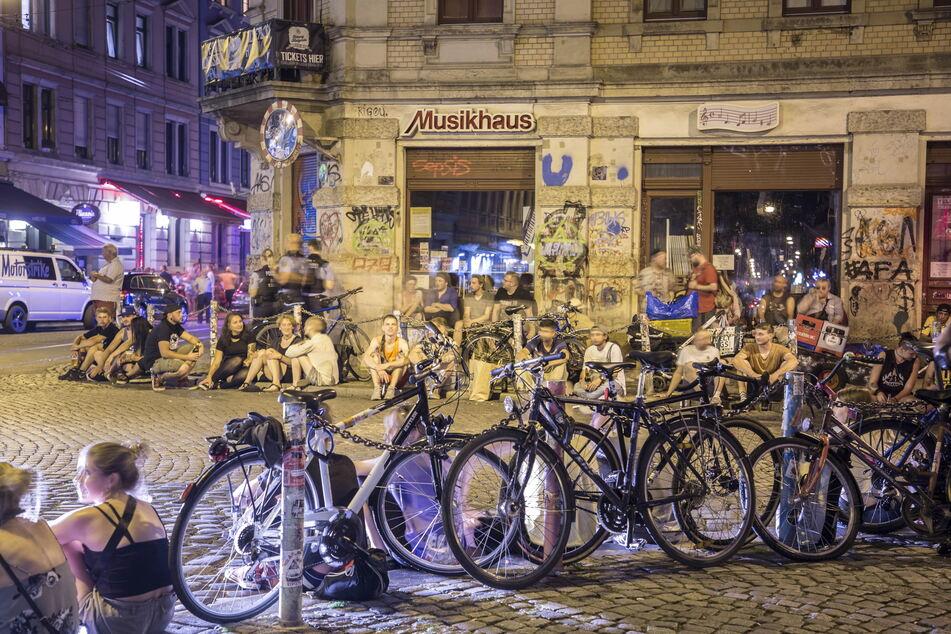 """Die """"Assi-Eck"""" genannte Kreuzung wird auch in diesem Sommer ein beliebter Treffpunkt für Feiernde sein."""