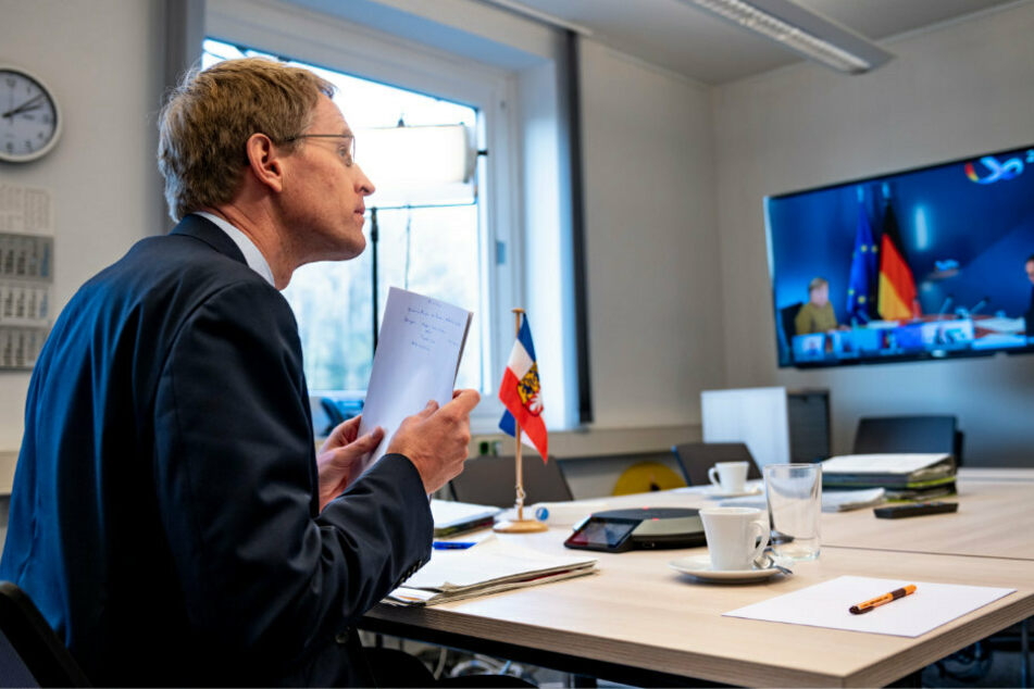 Ministerpräsidenten beraten erneut mit Angela Merkel