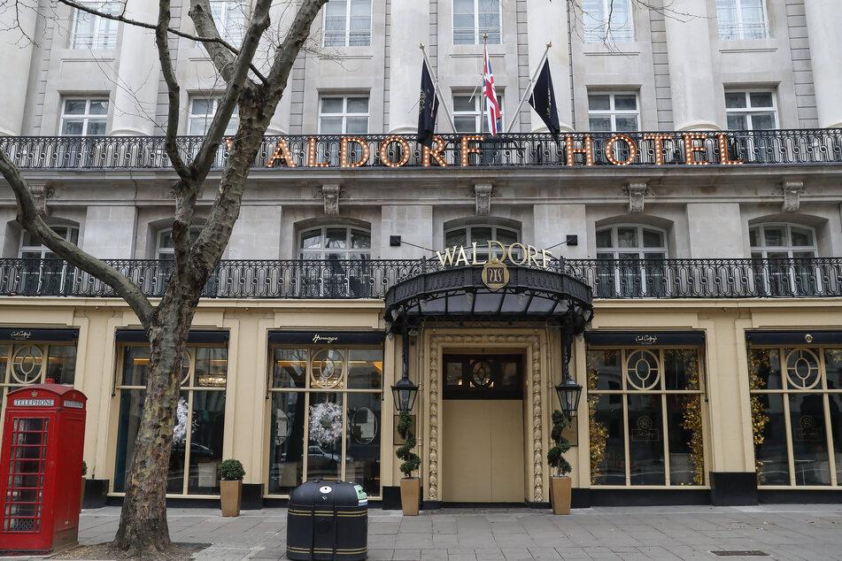 Blick auf das geschlossene Hotel Waldorf in der Innenstadt von London.