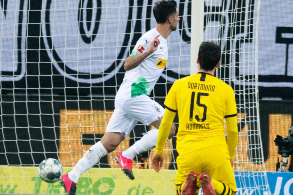 Mats Hummels (r.) konnte den 1:1-Ausgleich von Lars Stindl auch nicht verhindern.
