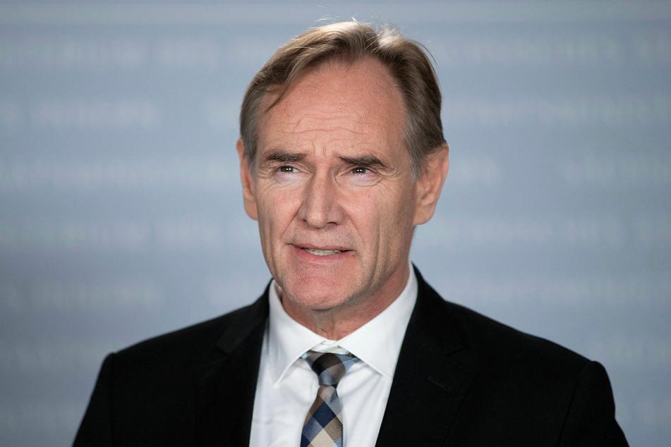 Burkhard Jung (62, SPD)