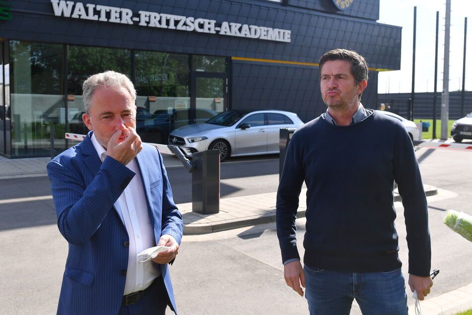Dynamos Geschäftsführer Jürgen Wehlend (l.) und Ralf Becker haben jetzt Planungssicherheit für die kommende Zweitliga-Saison.