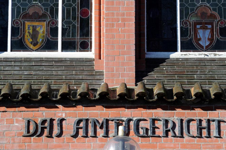 Der Prozess findet vor dem Amtsgericht Neumünster statt.