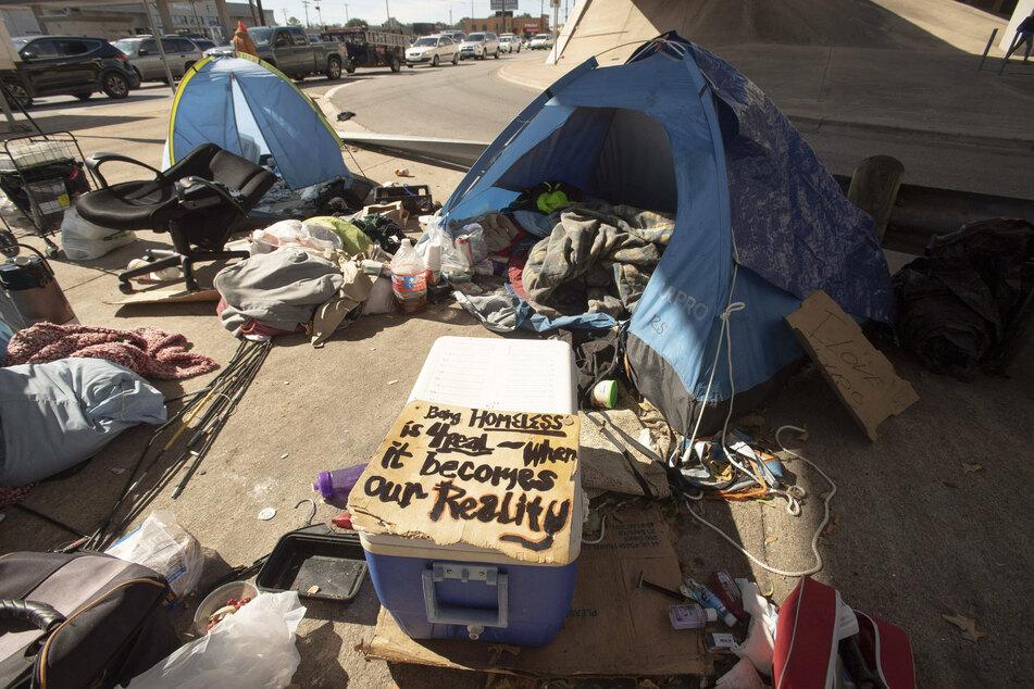 Austin votes to reinstate ban on homeless encampments