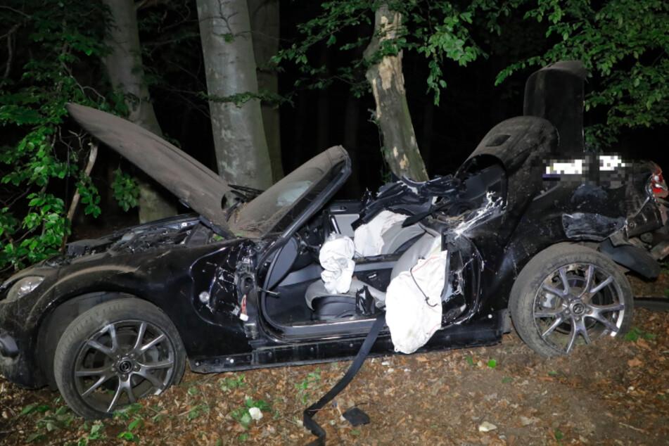 Chemnitz: Abgedrängt! Mazda-Fahrer kommt von A4 ab und stirbt