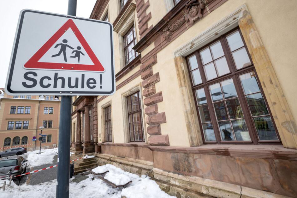 Inzidenz steigt in Thüringen wieder an: Schulen und Kitas sollen dennoch öffnen
