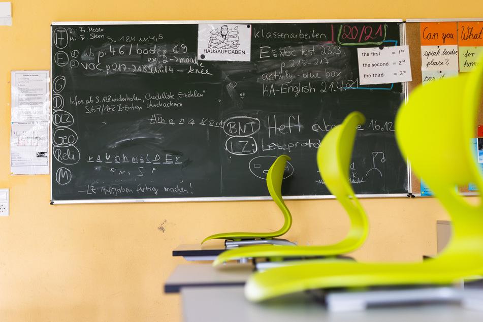Während der Corona-Pandemie blieben die Klassenzimmer teilweise leer. (Symbolbild)