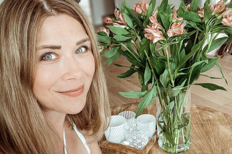 Tanja Szewczenko (44) verbringt ihren Familienurlaub aktuell auf Sizilien, da Tochter Jona (10) Ferien hat.