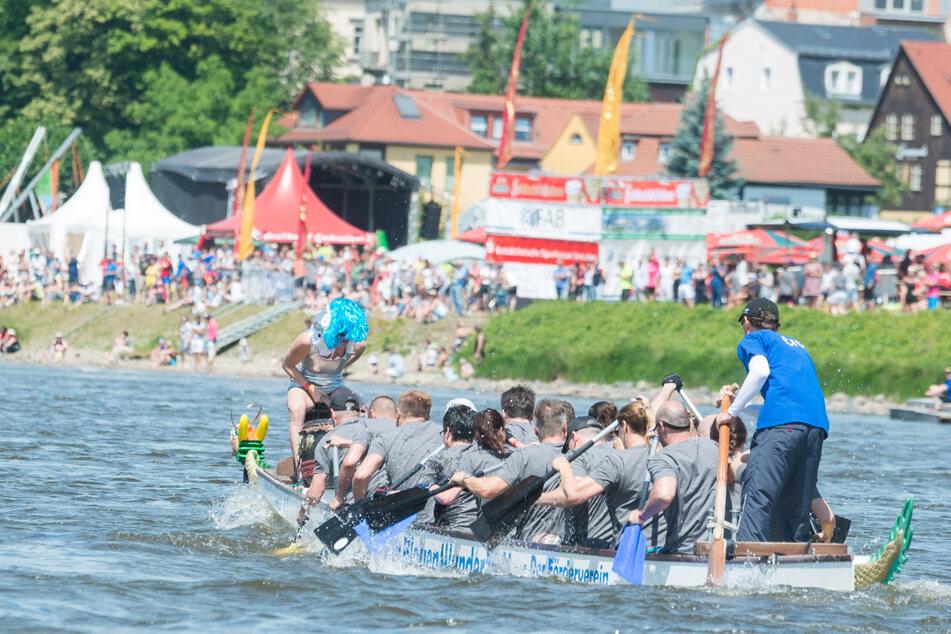 Im Sommer ist die klassische Startzeit für Drachenboot-Paddler. 2020 geht's auch im Winter ins Wasser.