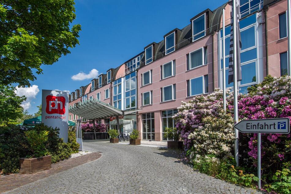 Das erste Hotelzimmer-Konzert überhaupt findet am 13. Juni Im Penta-Hotel auf dem Schlossberg statt.