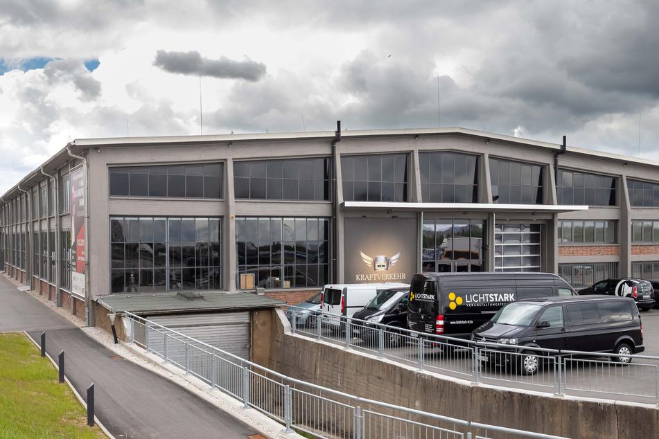 Das Gebäude des VEB Kraftverkehr galt einst als größte freitragende Halle der DDR.