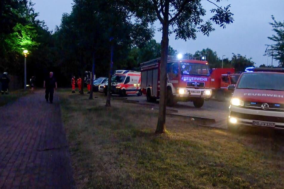 Mehrere Kameraden der Feuerwehr waren am Sonntagabend in Magdeburg-Olvenstedt im Einsatz.