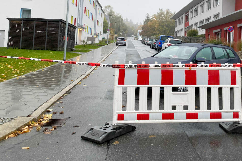 Rund 3000 Menschen sind von der Evakuierung in Hof im Freistaat Bayern betroffen, darunter 56 Bewohner eines Seniorenheims.