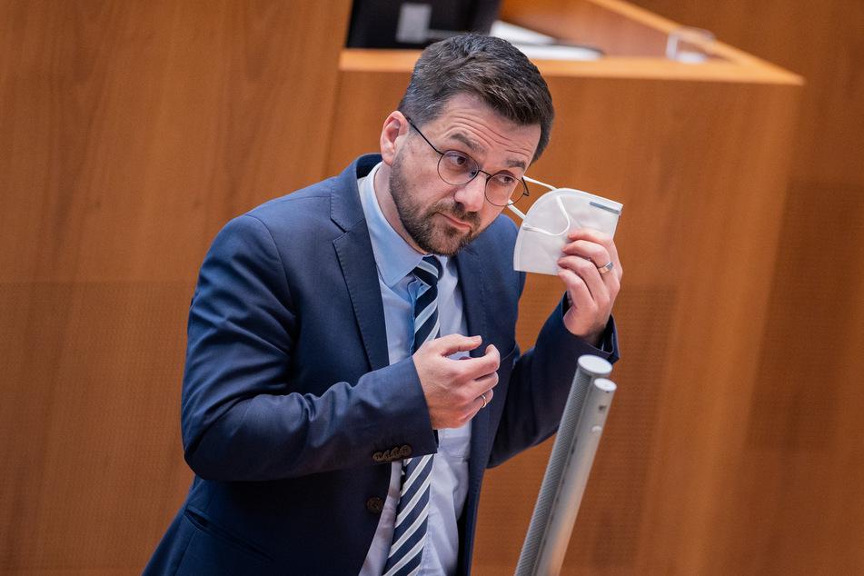 SPD-Landtagsfraktionschef Thomas Kutschaty fordert für Nordrhein-Westfalen eine langfristige Strategie im Kampf gegen die Corona-Pandemie.