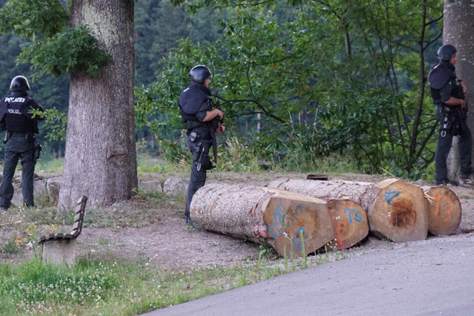 Überfall auf Polizisten in Oppenau: Täter weiter auf der Flucht