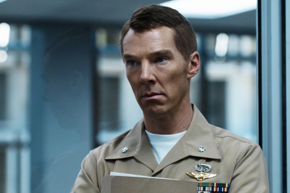 Lt. Colonel Stuart Couch (Benedict Cumberbatch, 44) beginnt sich mit der Zeit zu fragen, ob sein Weg richtig ist.