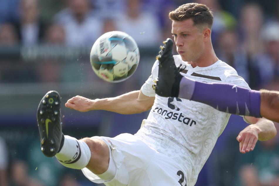 James Lawrence unterschrieb bis Juni 2022 bei den Kiez-Kickern.
