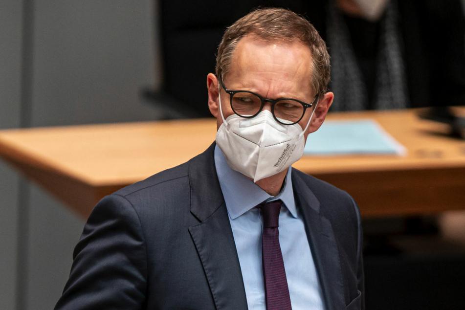 Berlins Regierender Bürgermeister Michael Müller (56, SPD) hat Vorwürfe zurückgewiesen, in den Ländern werde Impfstoff zurückgehalten.