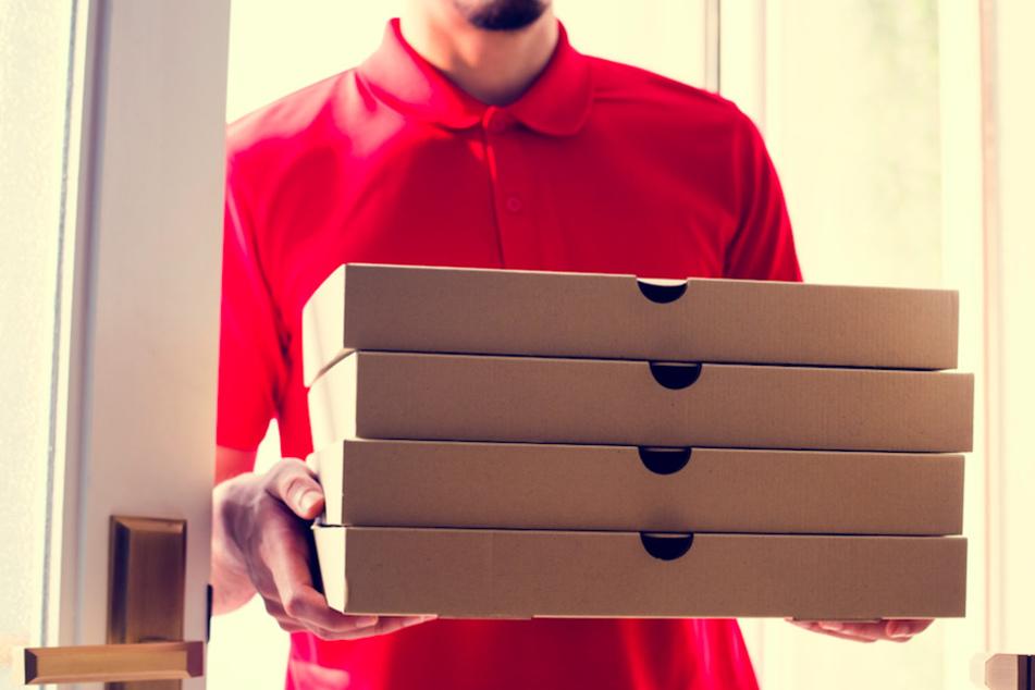 Hungrige Straßenräuber rauben Pizzaboten in München aus