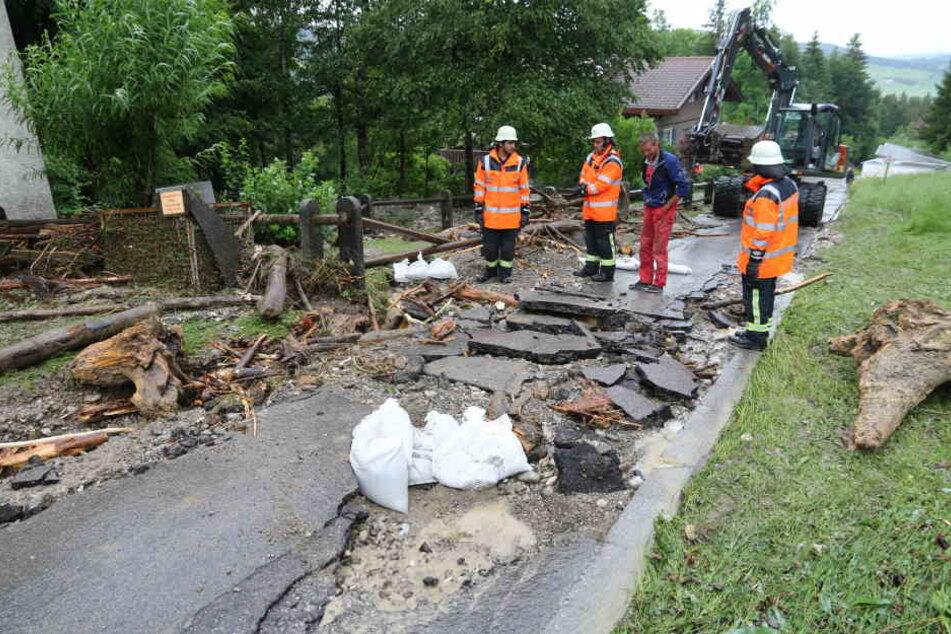 Auch im bayrischen Rettenberg herrschte Chaos nach den heftigen Unwettern.
