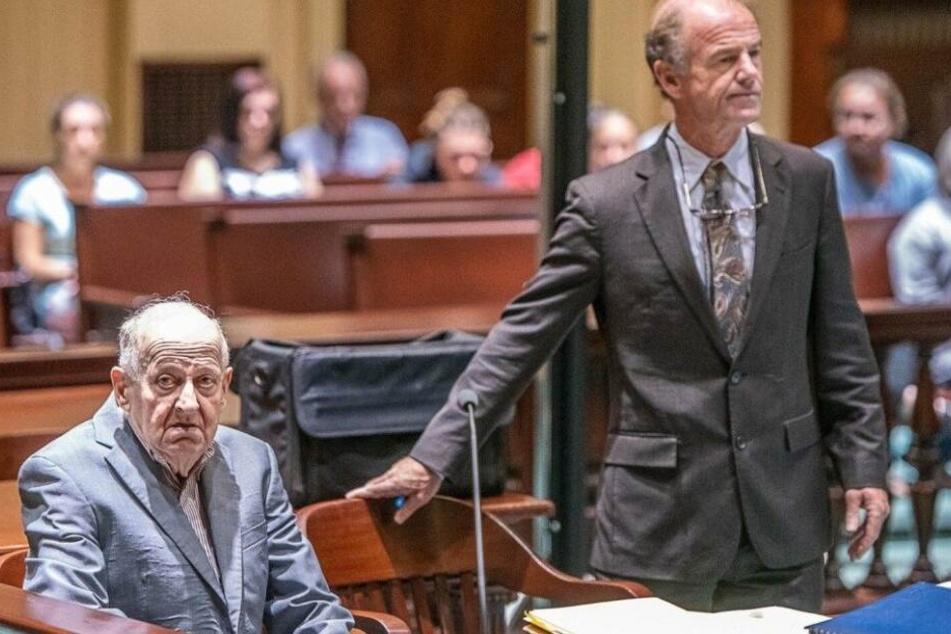 Der Mörder Albert Flick (77, li). Im August wird er voraussichtlich verurteilt.