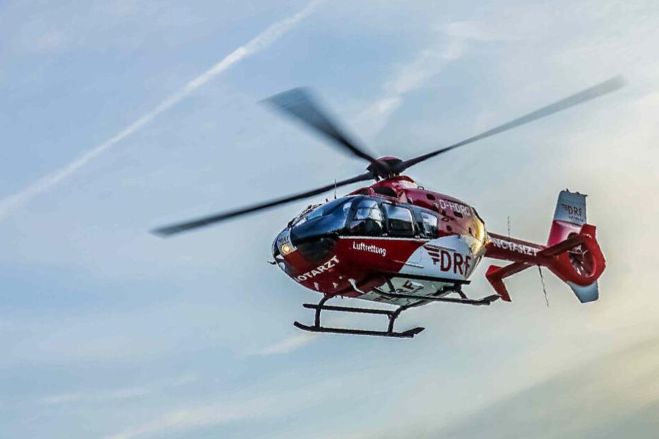 Ein Rettungshubschrauber brachte die beiden verletzten Kinder in die Uniklinik (Symbolfoto).