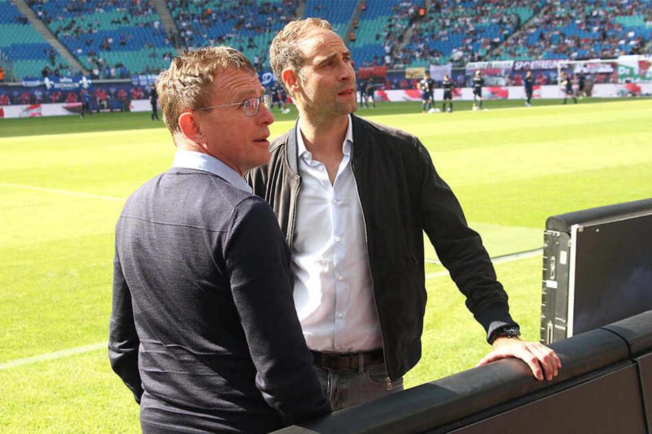 Sonnige Aussichten und der Blick nach oben: Wenn es nach Geschäftsführer Oliver Mintzlaff (r.) geht, soll der Vertrag mit Sportdirektor Ralf Rangnick (l.) langfristig verlängert werden.