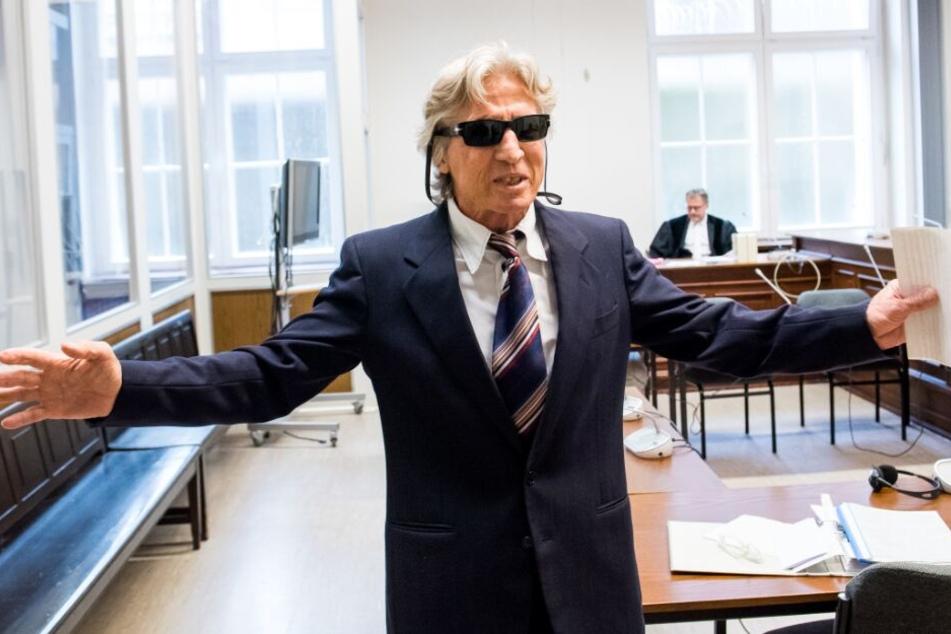 Im Gerichtssaal hat der Senior eine bühnenreife Show abgeliefert.