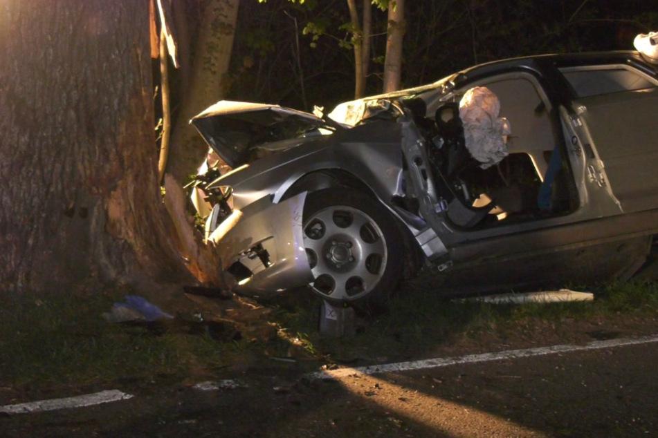 Auto rast im Odenwald gegen Baum: 19-Jähriger stirbt